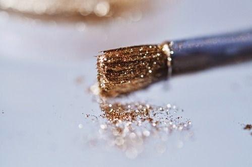 itschanelbeauty: All that glitters…. #GOLD