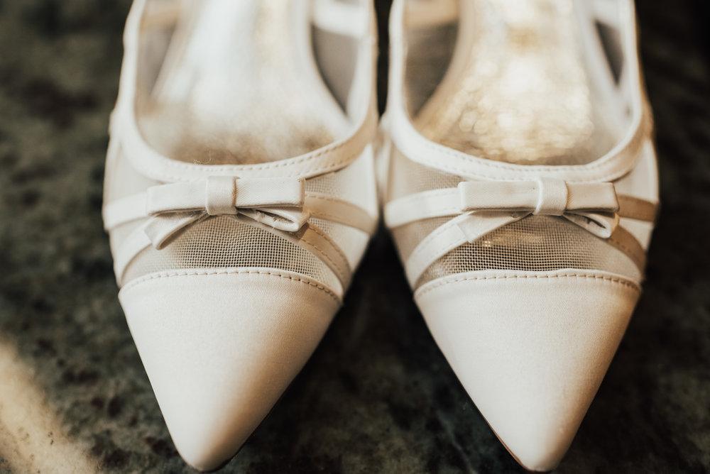Steena-Anne-Photography-Frances-Ben-St-Paul-Library-Wedding-14.jpg