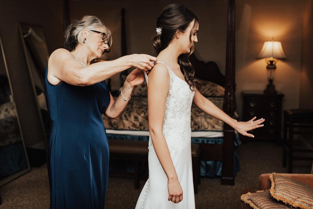 Steena-Anne-Photography-Frances-Ben-St-Paul-Library-Wedding-62.jpg