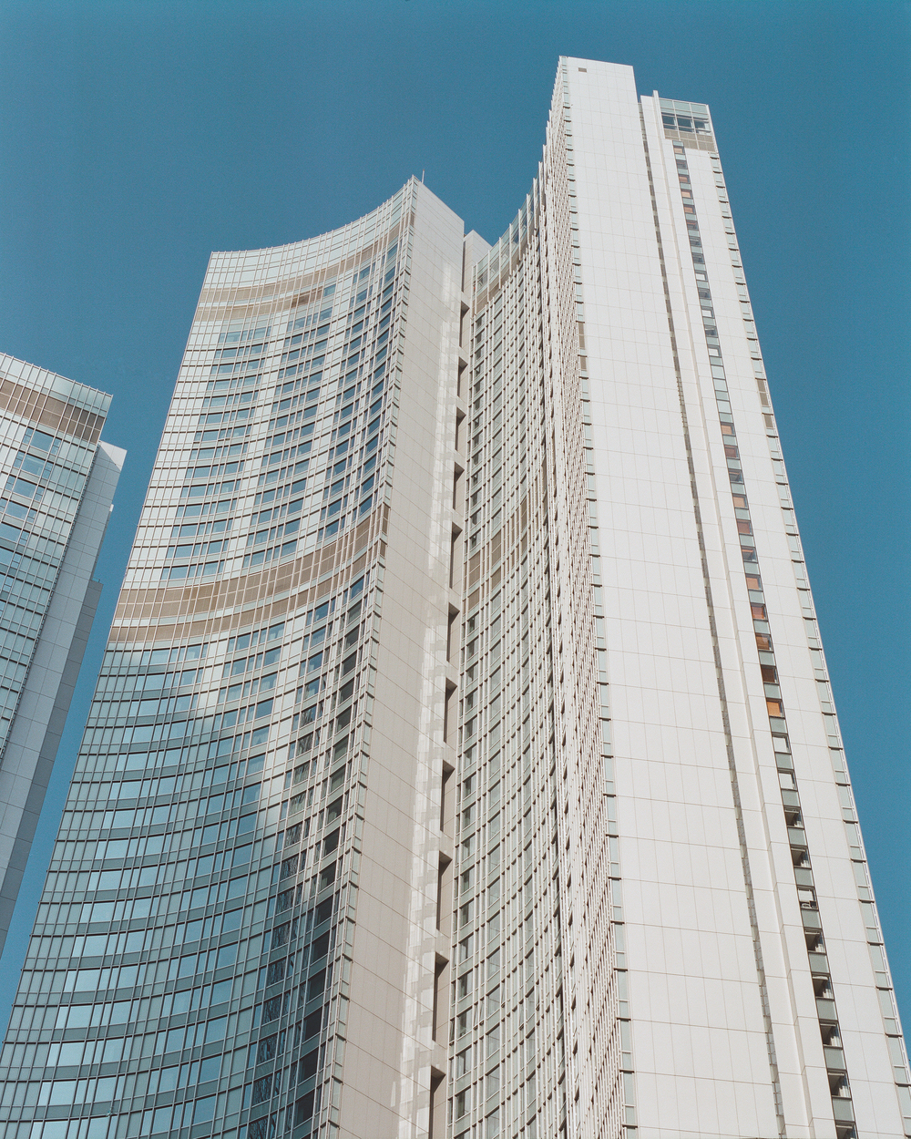 Four Seasons Hotel Hong Kong (2005)