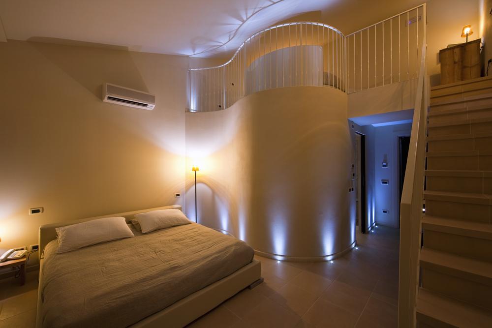 room 05.jpg