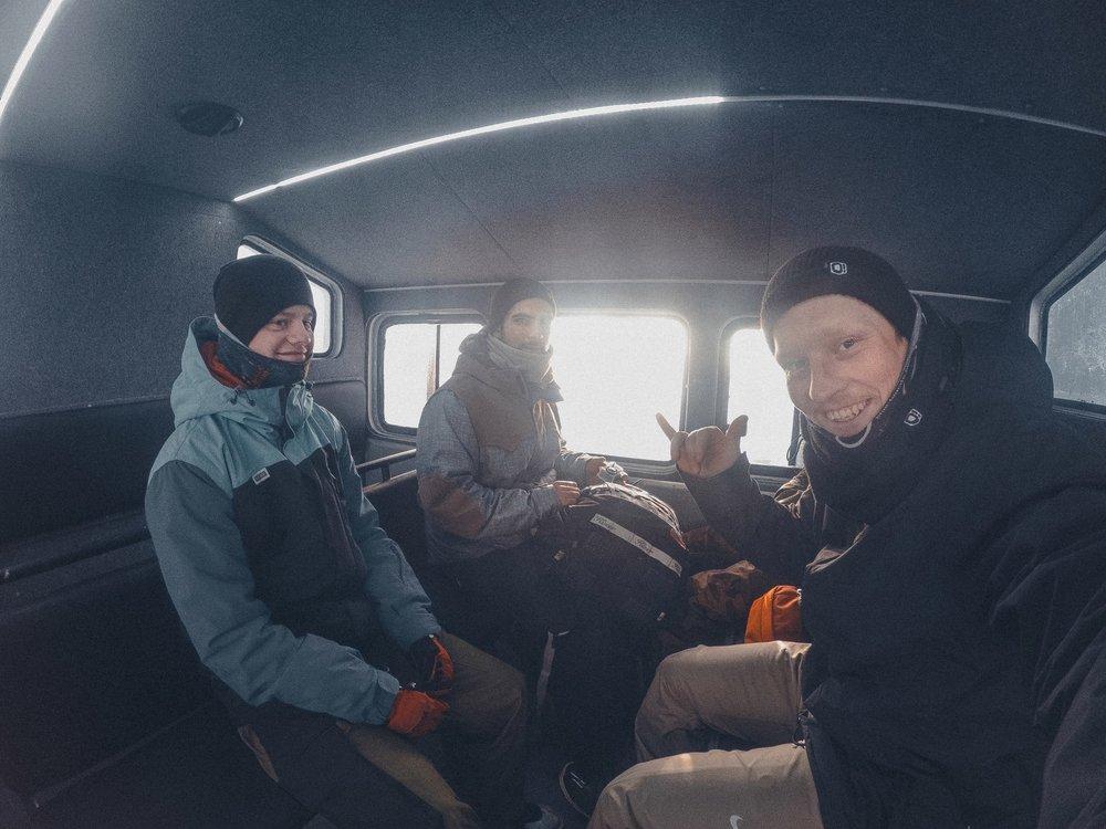 Настоящие «снего-зависимые» ребята из Лип Крю, в продукции «O!Brand».