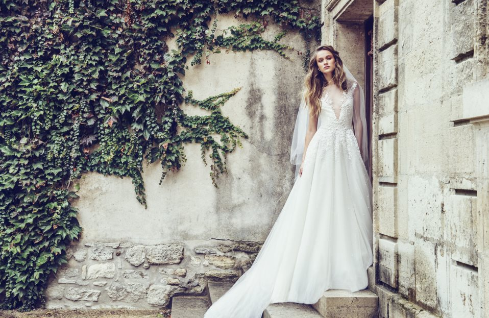 Brides Ready to Swoop on Discount Designer Wedding Gowns — Helen ...