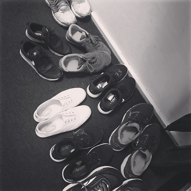 Leave your shoes and your worries at the studio door 🚪🔜😁😁😁 #atthebarre #thebarrestudio #barreaddict #shoesoff #metime #treatyoself #barre #barresydney #sydneybarre #yoga #pilates #rosebay #dymocksbuilding #noworries #destress
