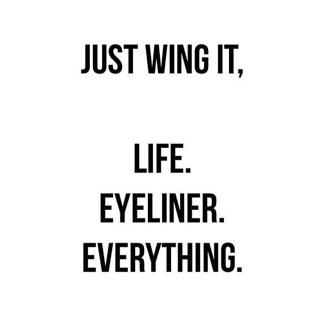 Even barre class! No judgment here if you've got 2 left feet 😏😅#thebarrestudio #atthebarre #barreaddict #friyay #wingit #eyeliner #beautifulpeople #barresydney #workit #workout