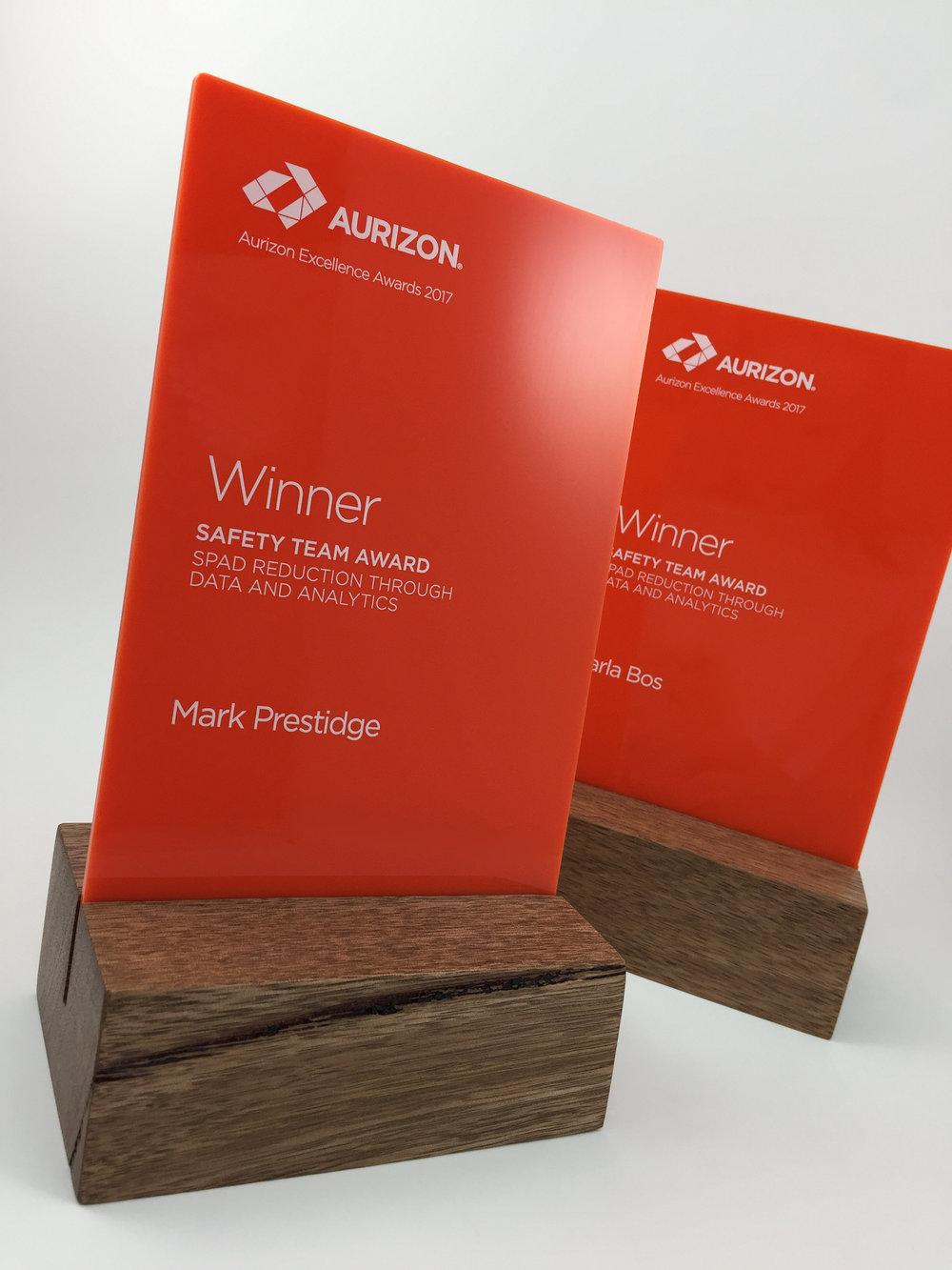 aurizon-acrylic-wood-corporate-trophy-award-02.jpg