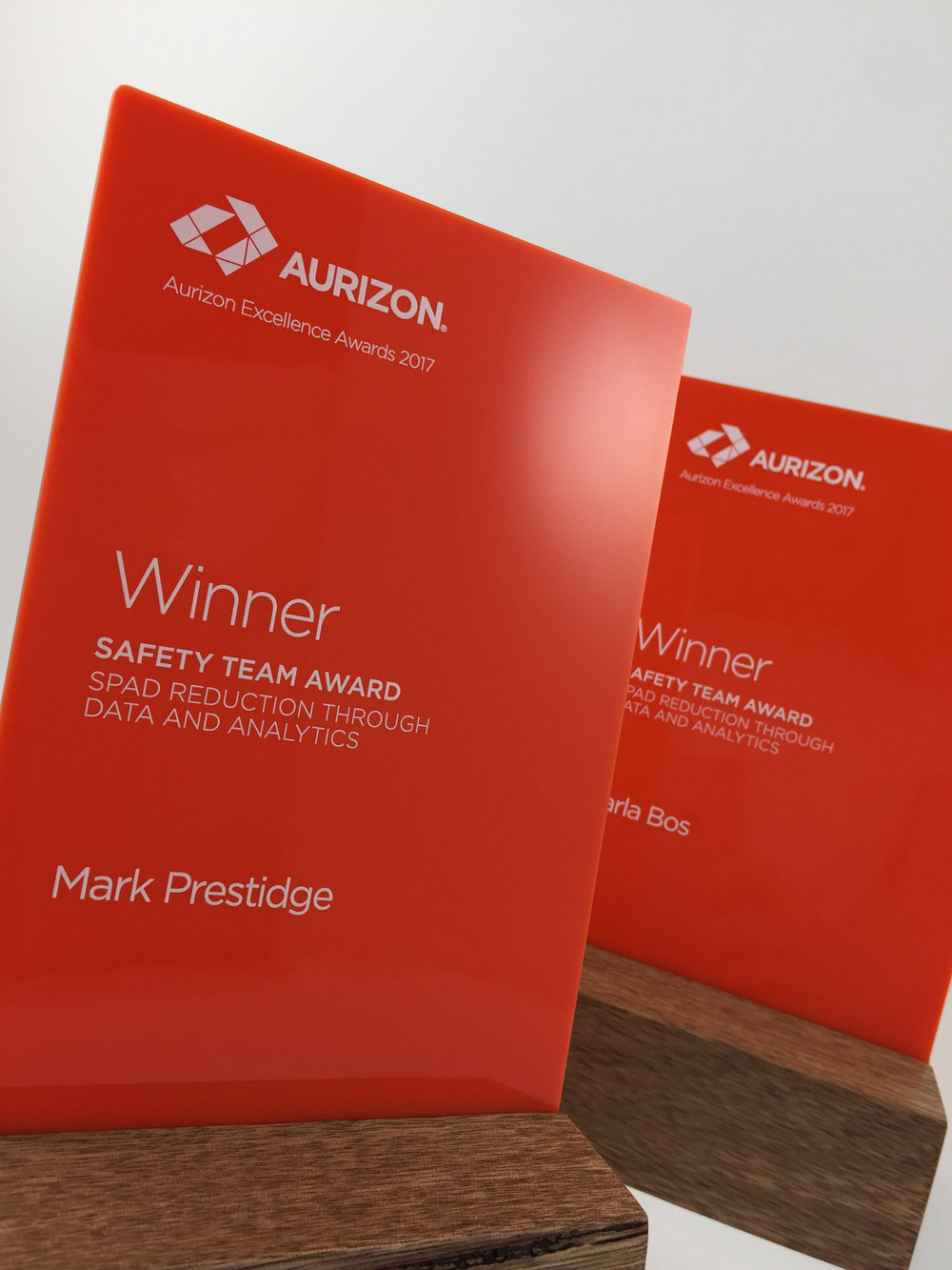 aurizon-acrylic-wood-corporate-trophy-award-03.jpg