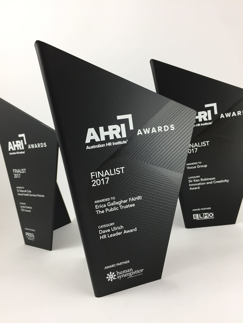 AHRI-aluminium-graphic-trophy-award-05.jpg