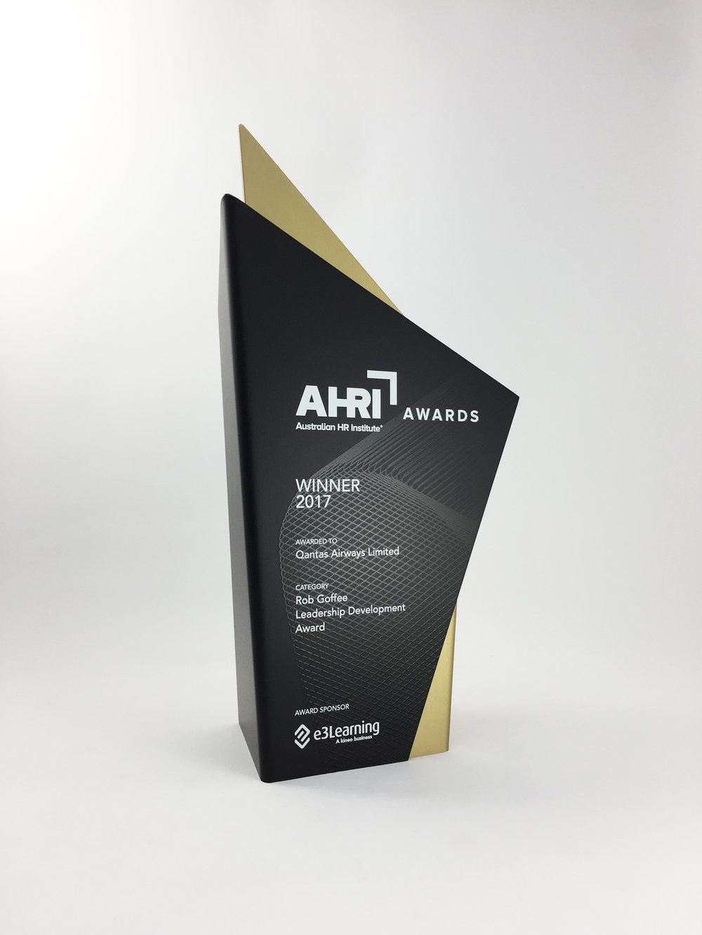 AHRI-aluminium-graphic-trophy-award-06.jpg