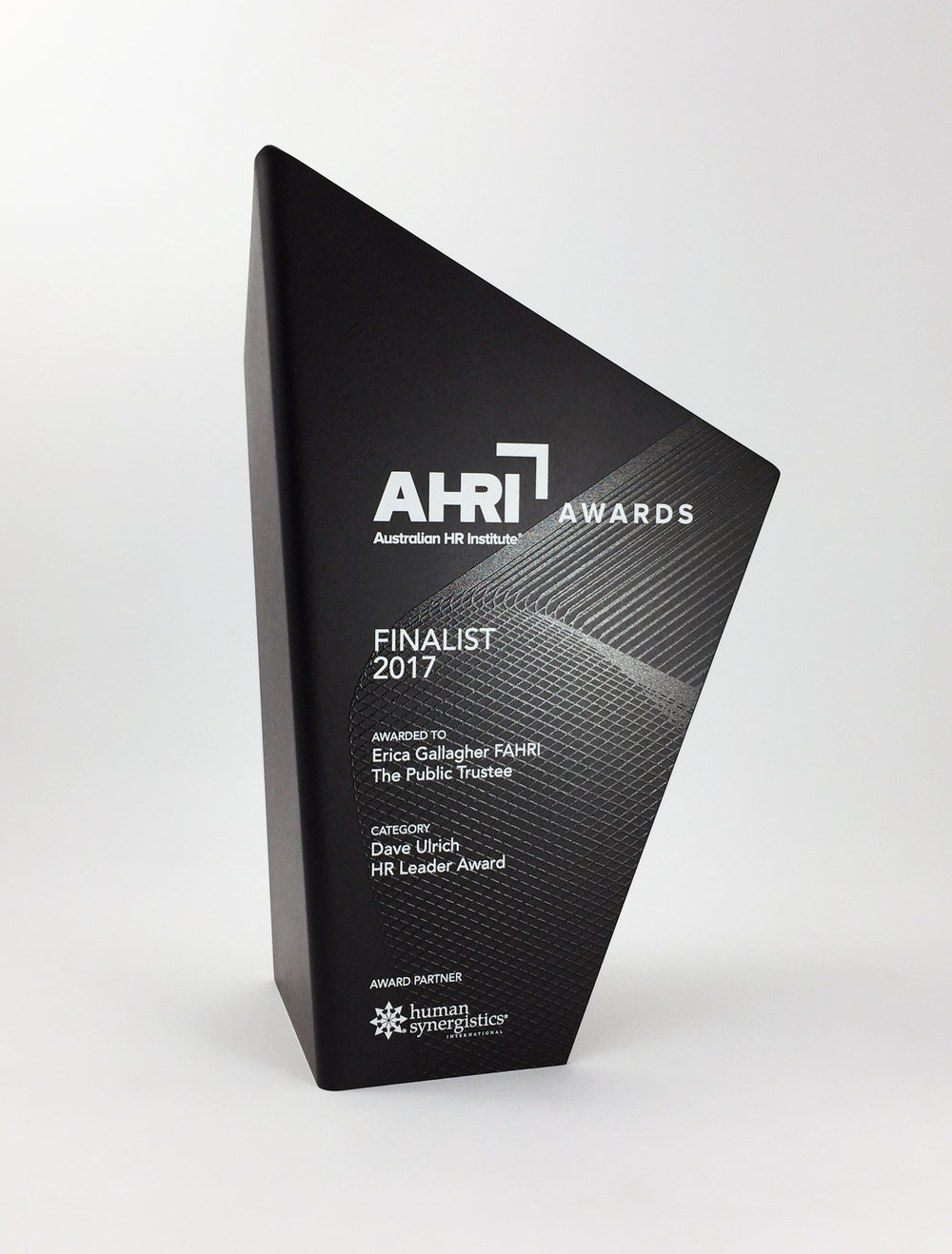AHRI-aluminium-graphic-trophy-award-01.jpg