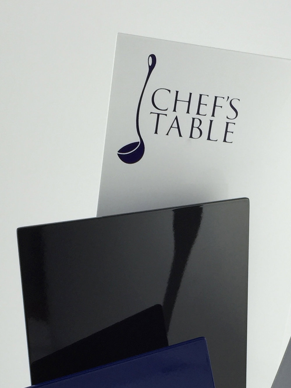 Chefs-table-aluminium-trohpy-award-01.jpg