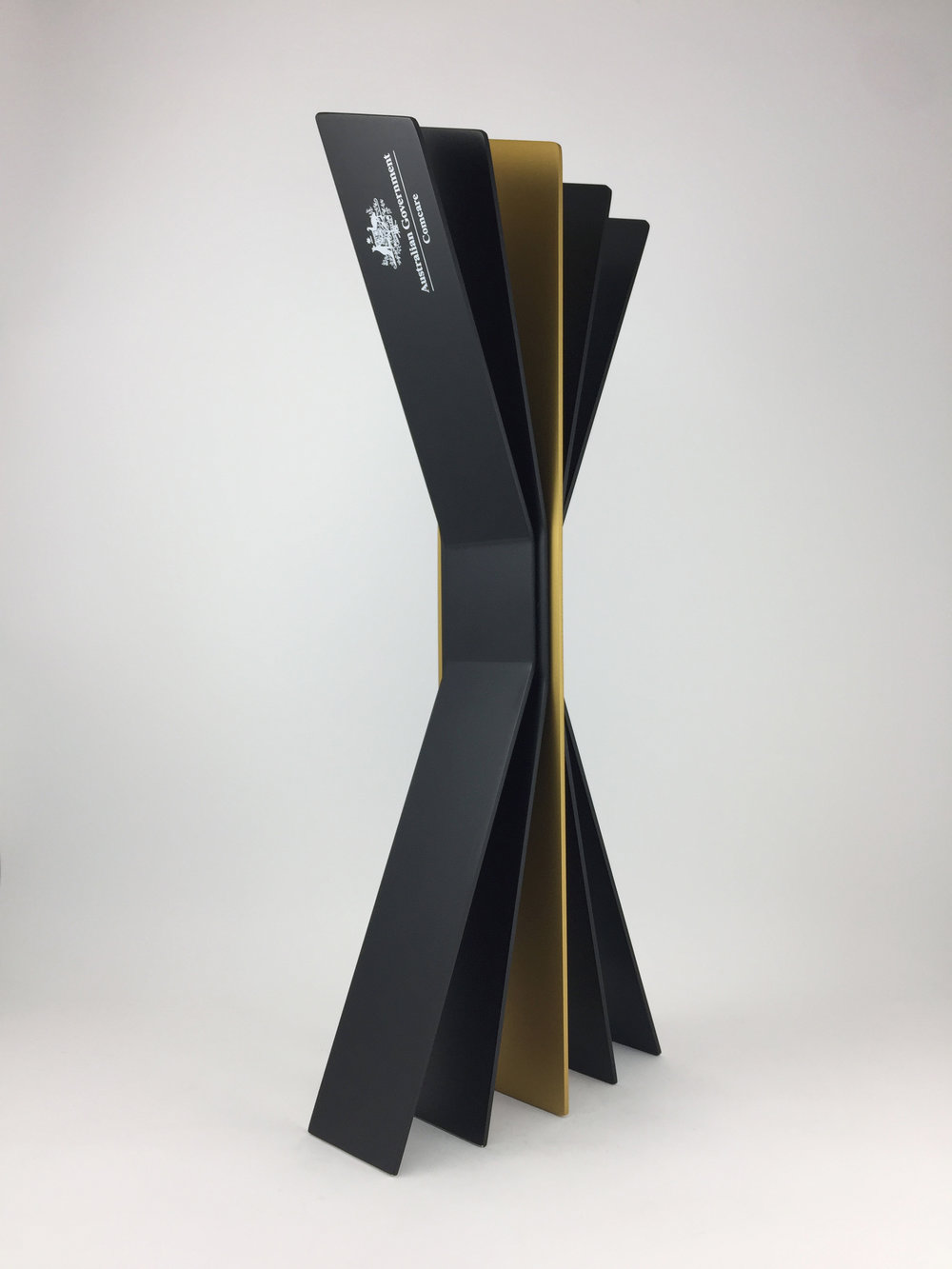 comcare-aluminium-award-trophy-04.jpg