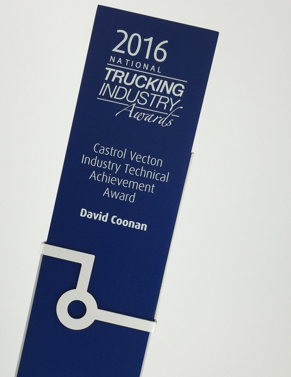 trucking-awards-aluminium-trophy-03.jpg