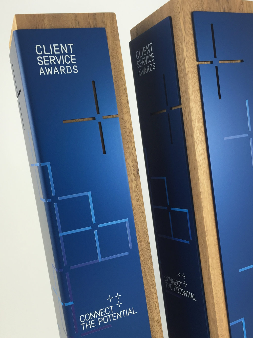 ghd-client-service-awards-metal-timber-eco-trophy-02.jpg