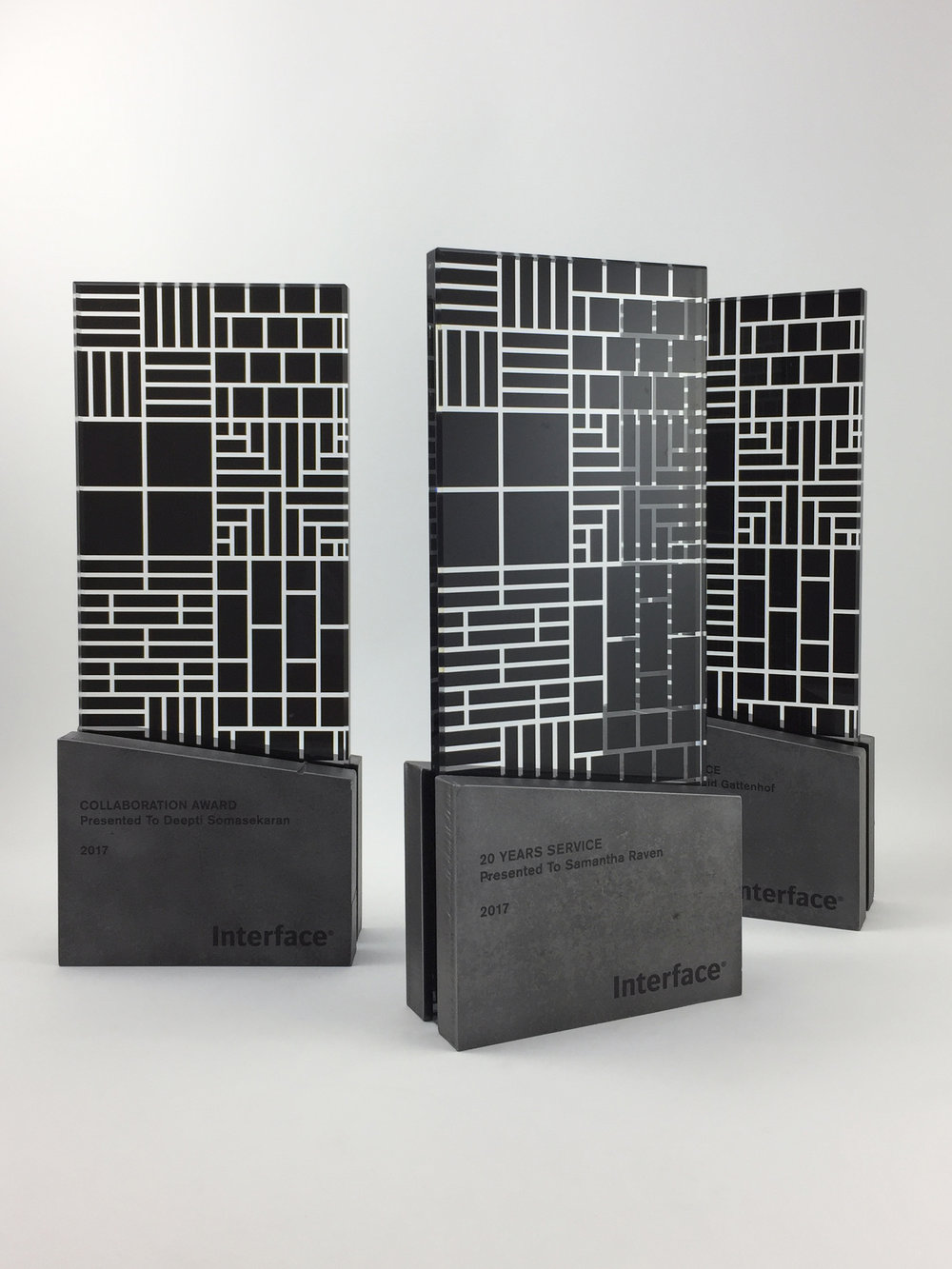 interface-awards-metal-glass-graphic-art-trophy-01.jpg