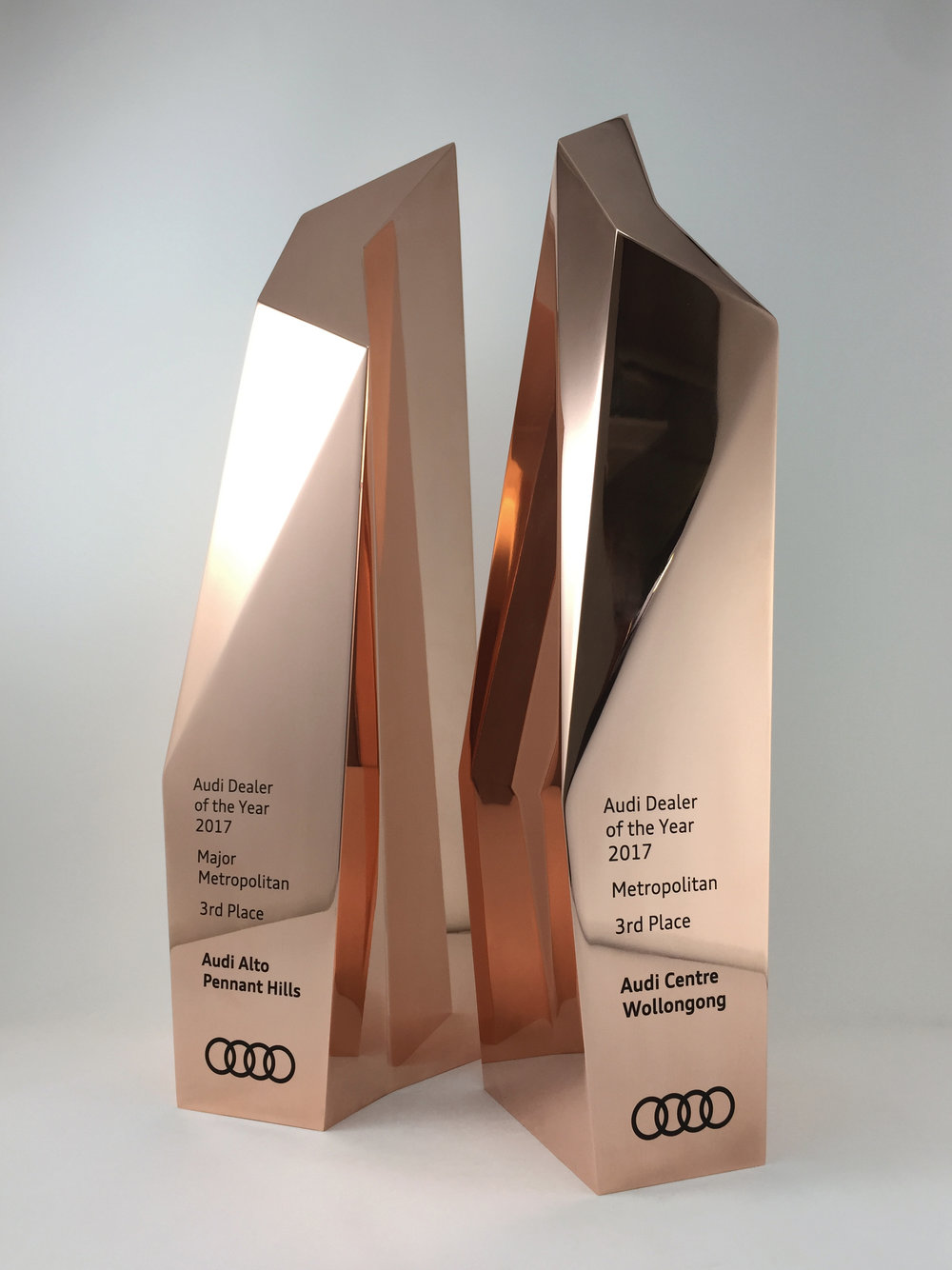 audi-metal-art-sculpture-award-trophy-02.jpg