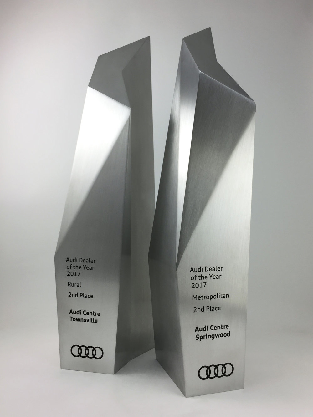 audi-metal-art-sculpture-award-trophy-05.jpg