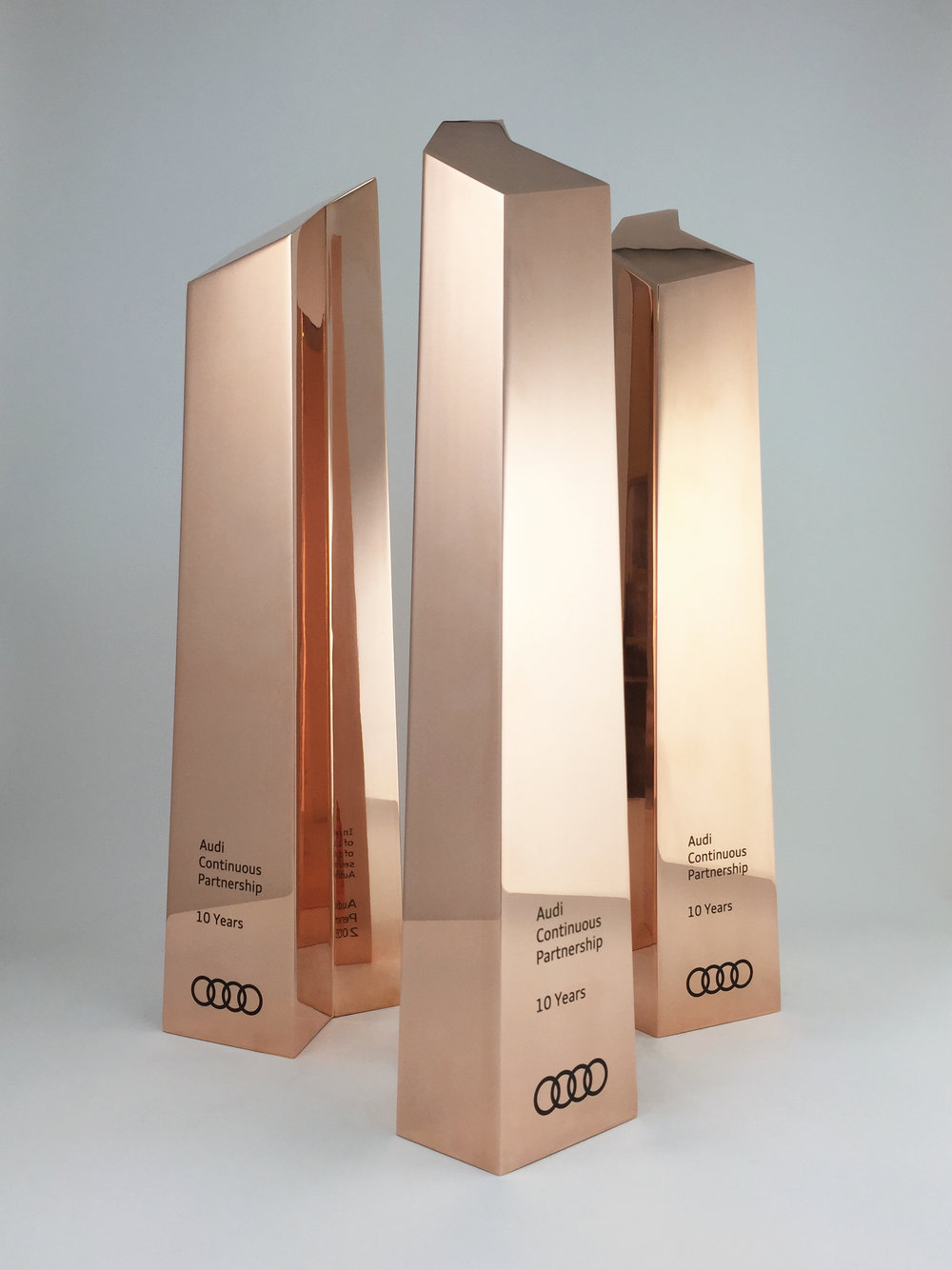 audi-metal-art-sculpture-award-trophy-06.jpg