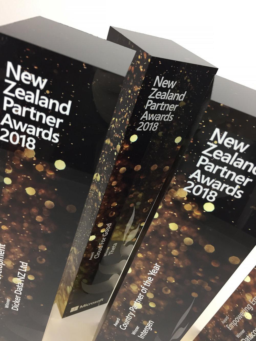 microsoft-newzealand-partner-awards-acrylic-2018-04.jpg