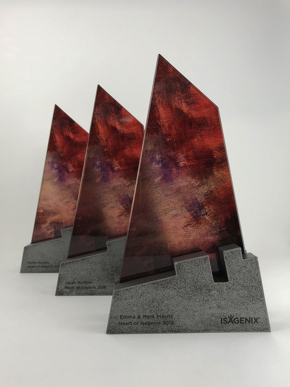 Heart-of-Isagenix-metal-glass-art-award-sculpture-trophy-04.jpg