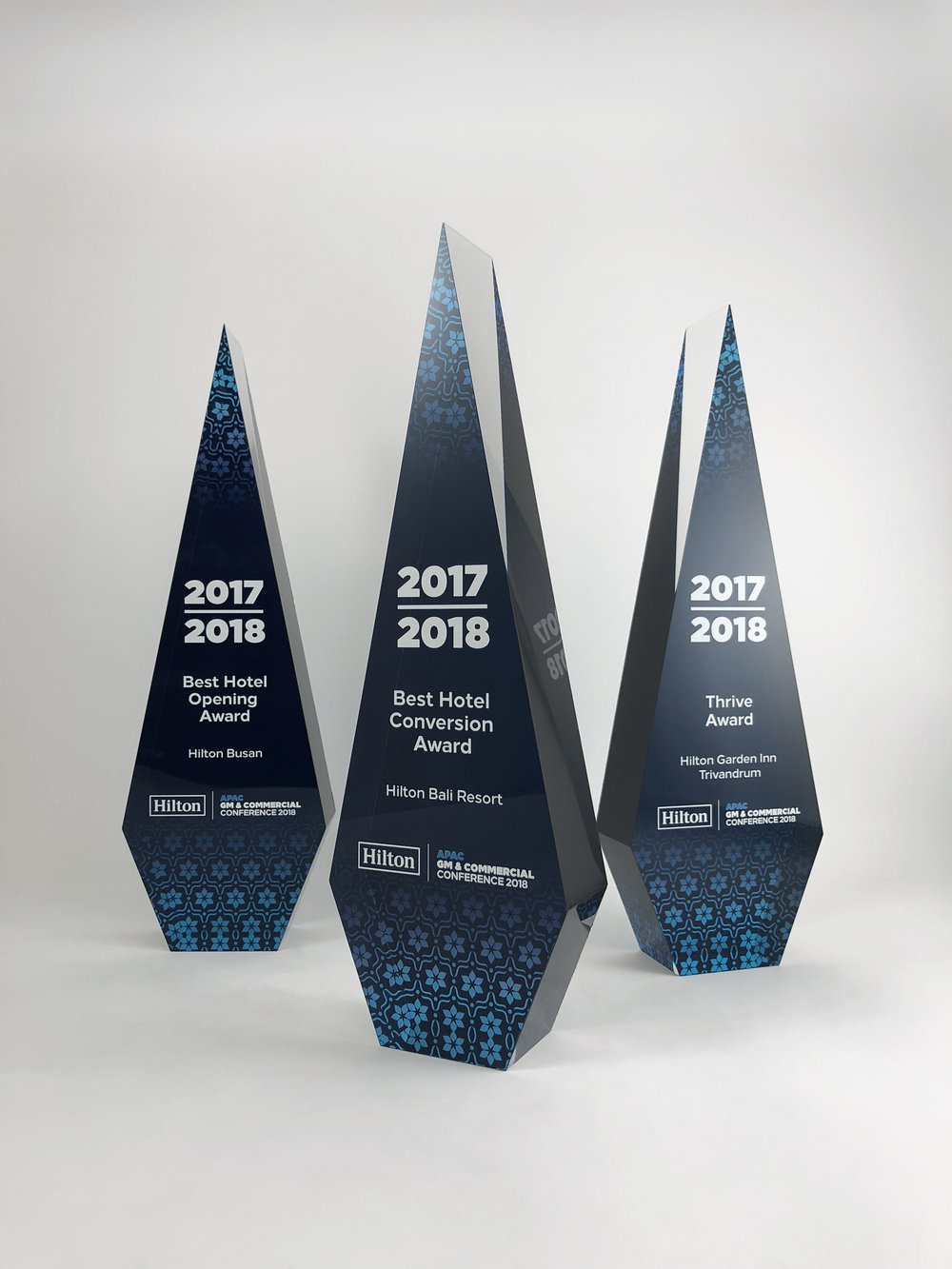 hilton-apac-awards-acrylic-trophy-02.jpg