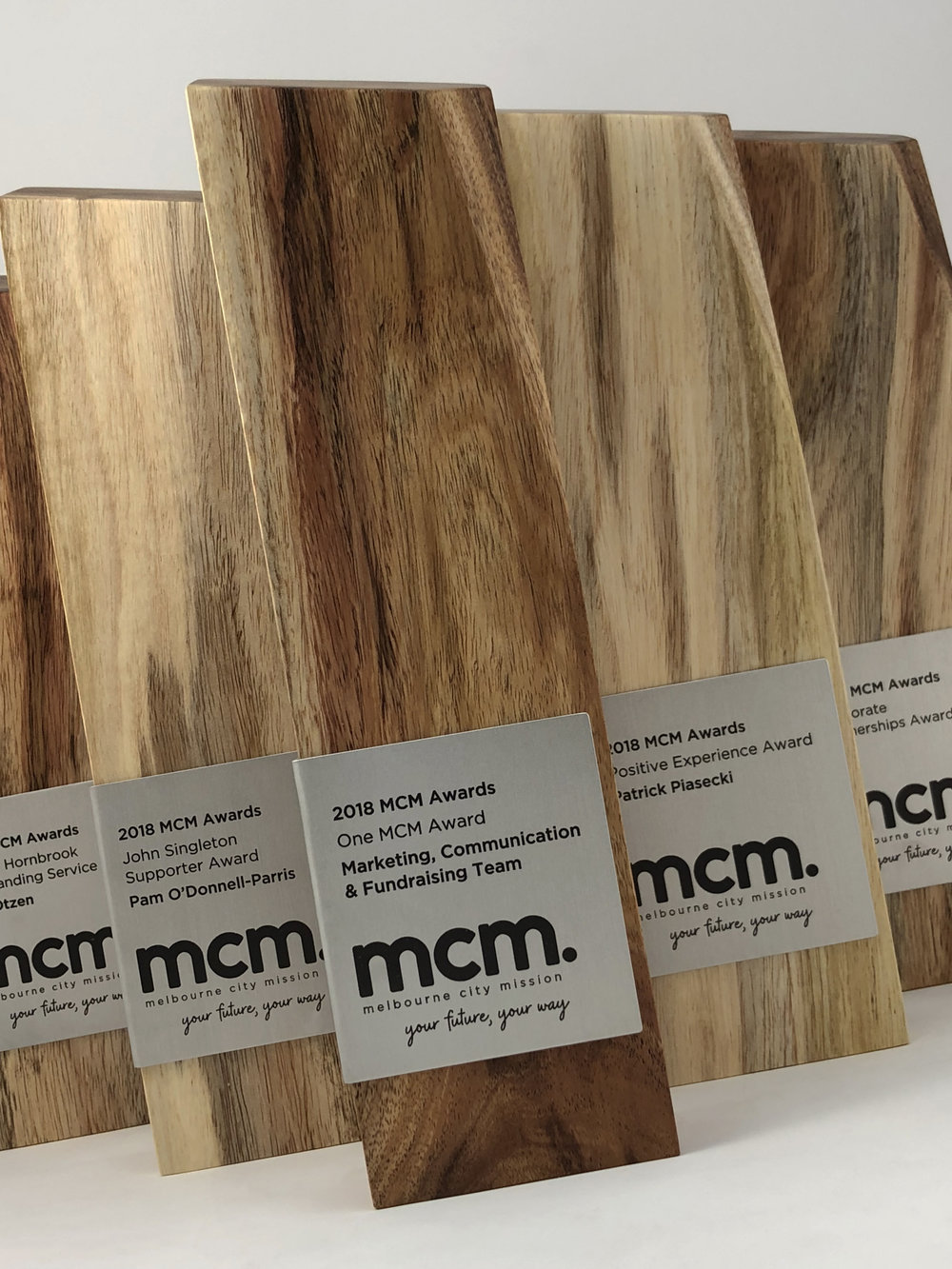 mcm-awards-reclaimed-eco-timber-chamfer-metal-trophy-08.jpg
