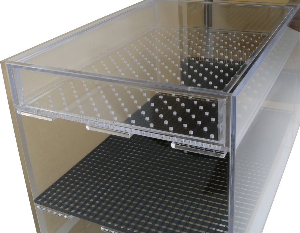 T43x18x18 Wet/Dry Trickle Filter. Clamshell drip plate design contains water flow as it enter the drip plate area.