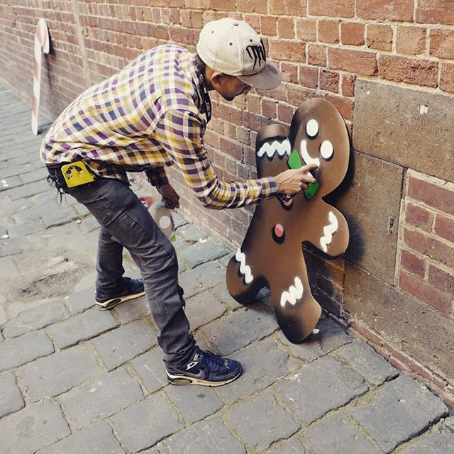Legendary artist, @sircircle gives Melbourne some delicious new street art... #gbdemo