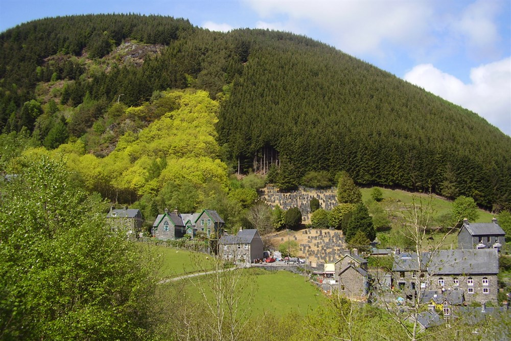 1-13-1-95-1-Corris-an-old-slate-mining-village.JPG