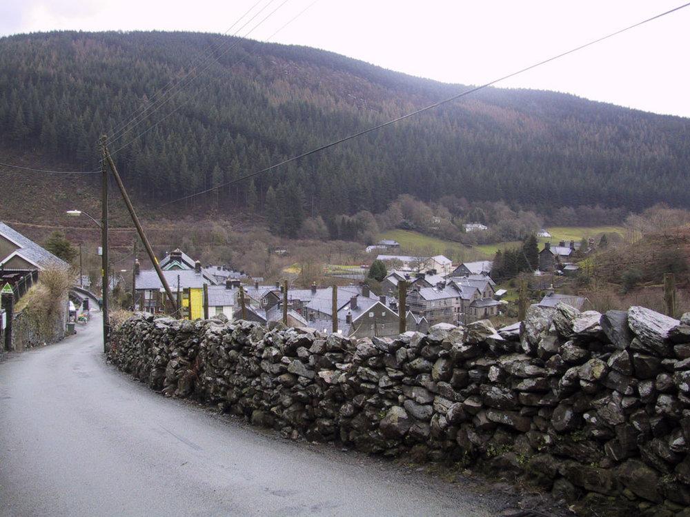 04042001 Corris village.jpg