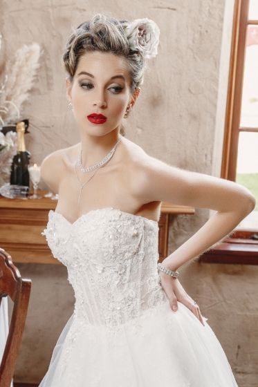 perth-bridal-makeup-red-lip-classic.jpg
