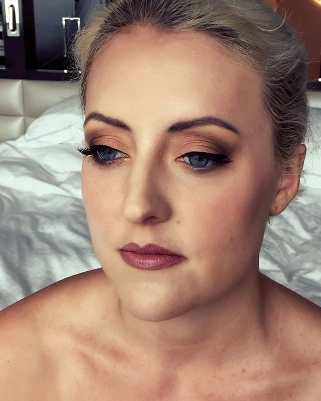We just adored this look for our client ready to hit the races. Makeup by #jellisbeauty