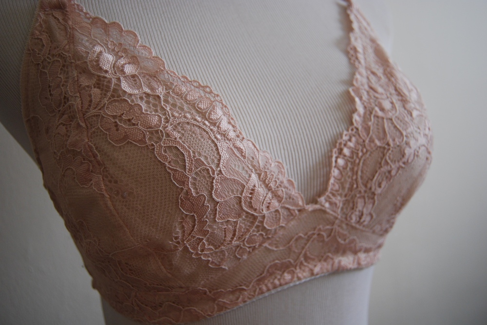 White and Peach Lace Watson Bra