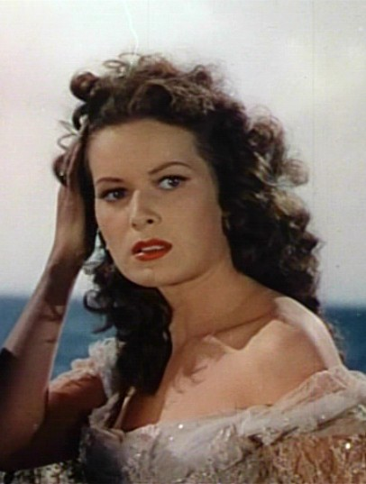 Maureen O'Hara, looking fly. I want this to be my 2010 look. Pirate-y!