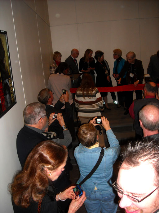 2013cartoonlibrary_ribboncutting01.jpg