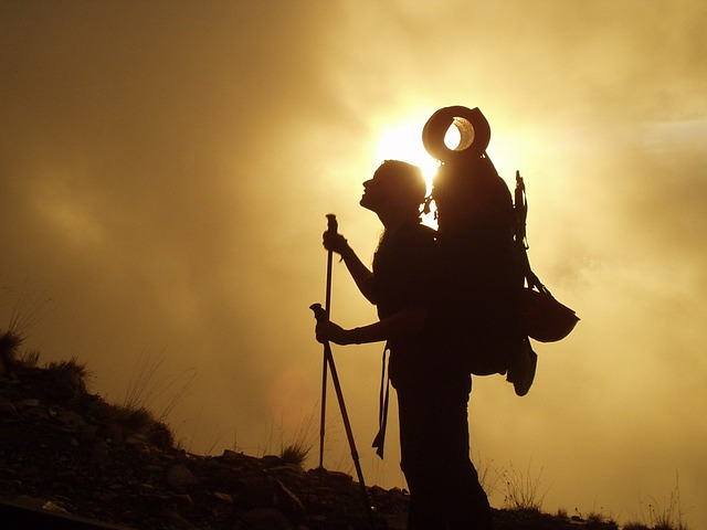 trekking-245311_640.jpg