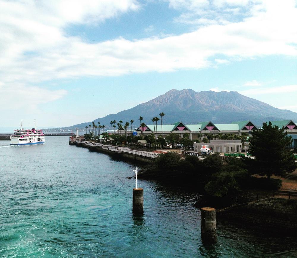 The view of Sakurajima by boat