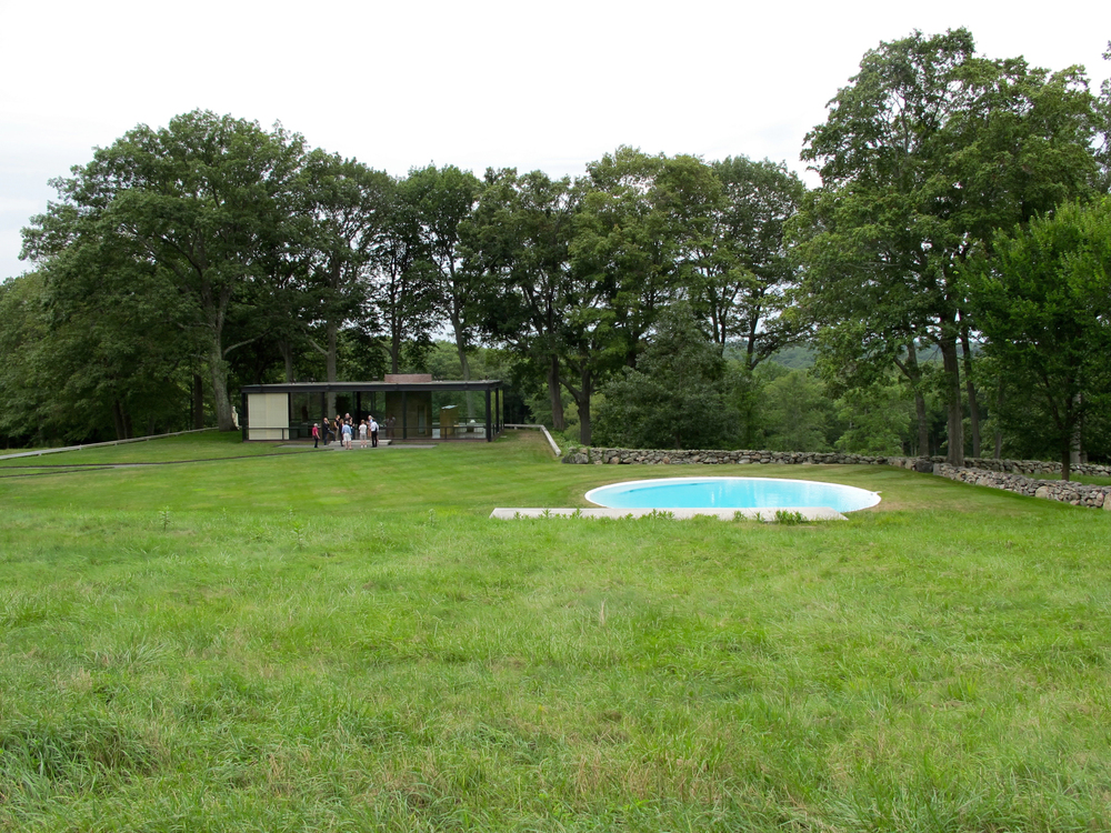 The house and pool from afar.