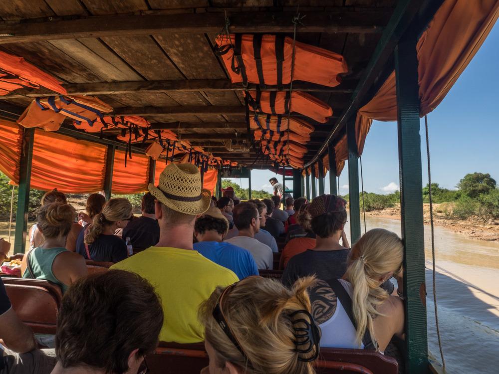 siem_reap_battambang_boat_cambodia-1.jpg