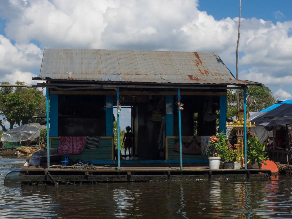 siem_reap_battambang_boat_cambodia-4.jpg