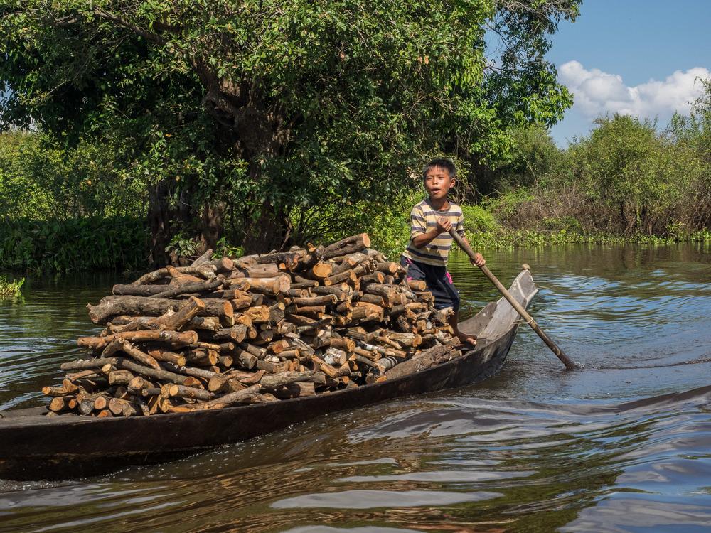 siem_reap_battambang_boat_cambodia-6.jpg
