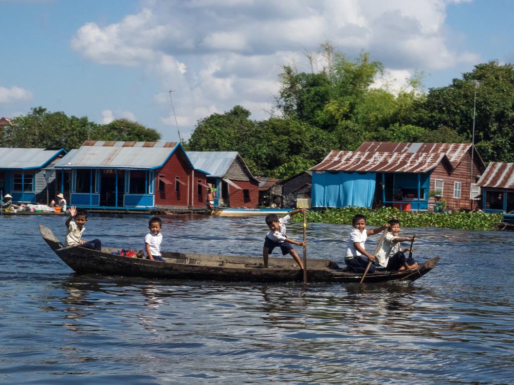 siem_reap_battambang_boat_cambodia-8.jpg