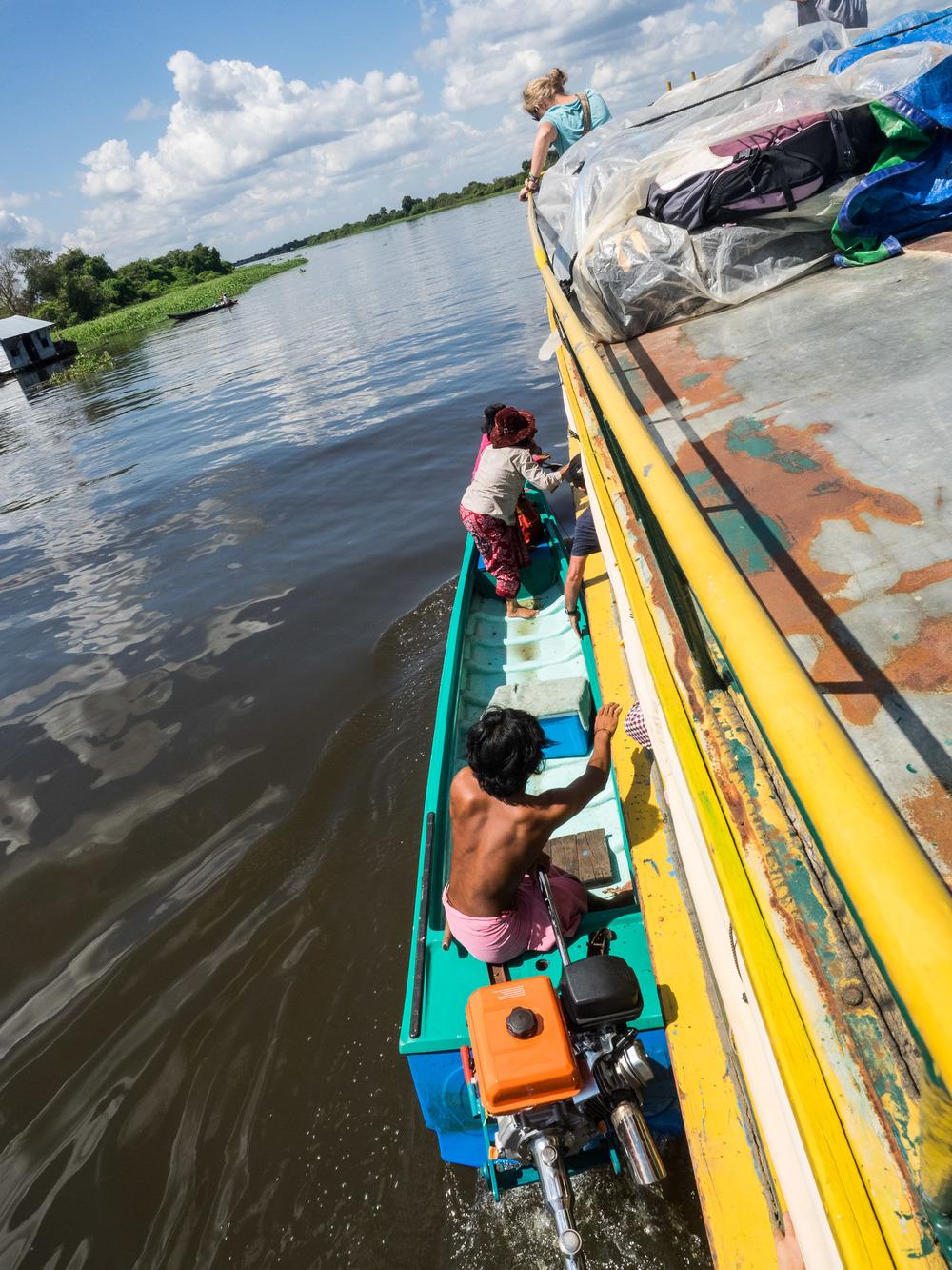 siem_reap_battambang_boat_cambodia-13.jpg