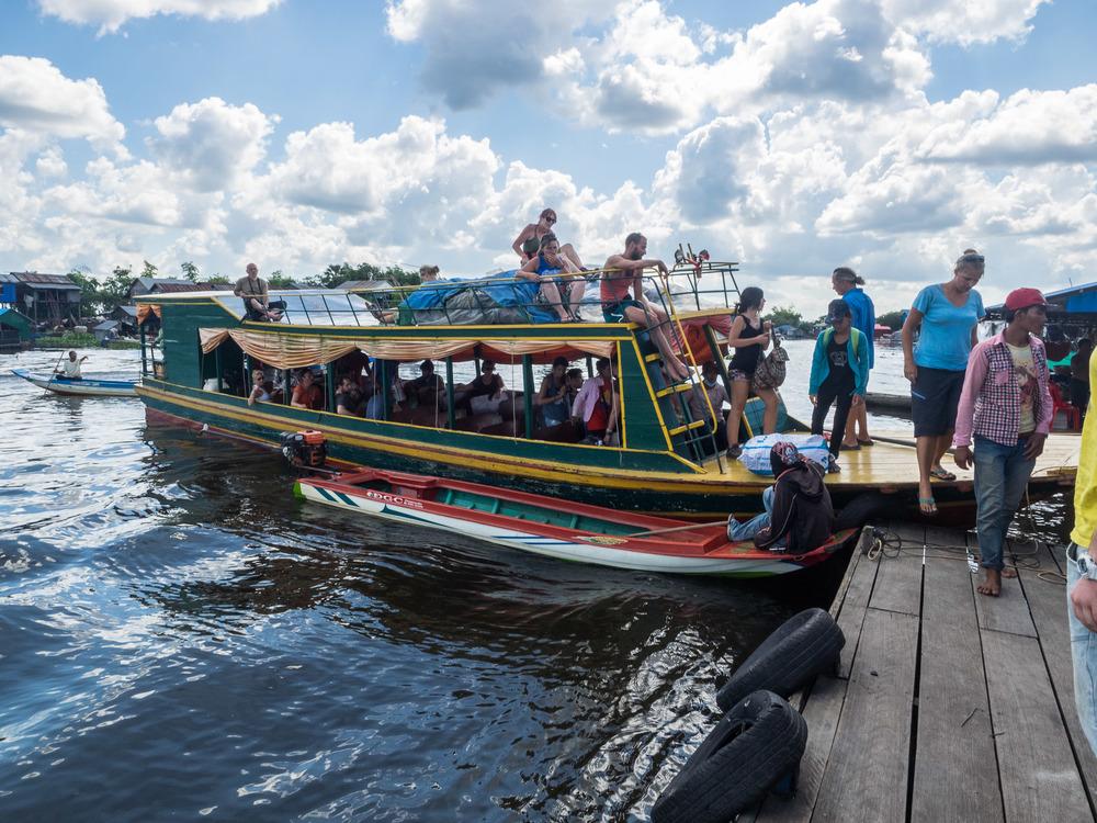 siem_reap_battambang_boat_cambodia-17.jpg