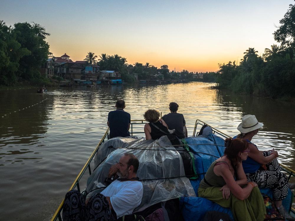 siem_reap_battambang_boat_cambodia-28.jpg