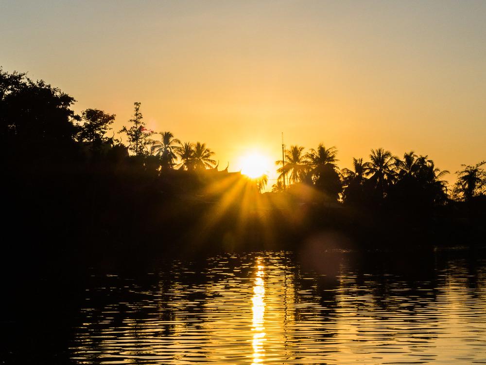 siem_reap_battambang_boat_cambodia-30.jpg
