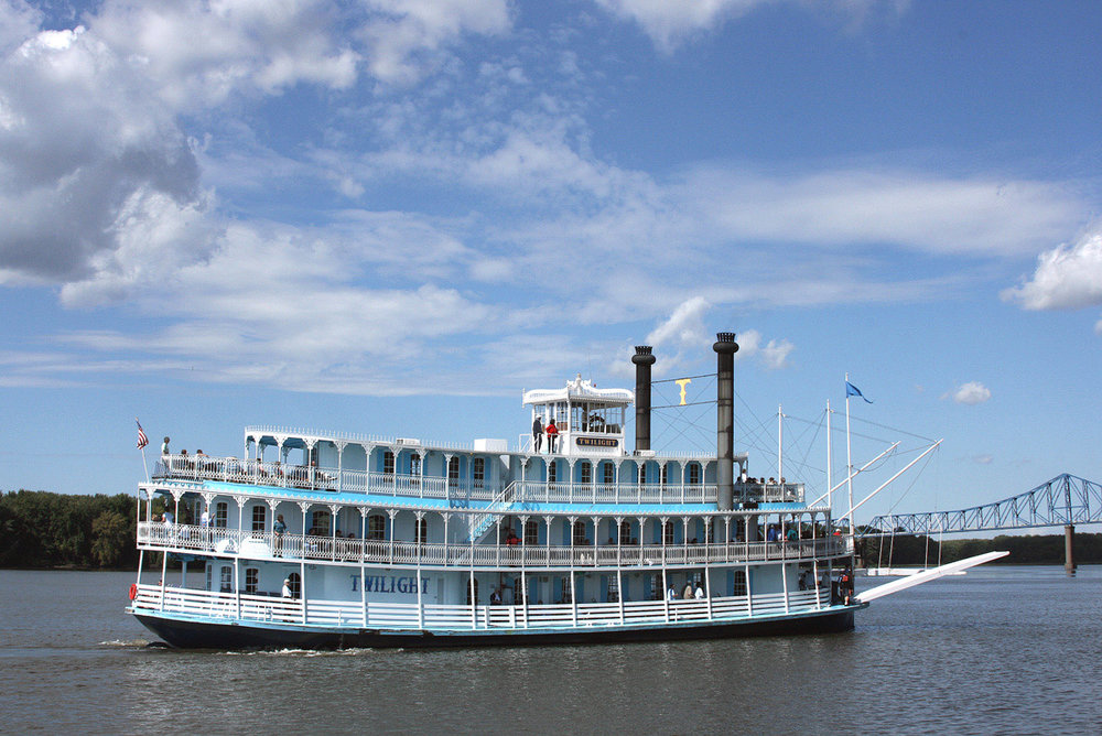 Mississippi-River-Cruises-On-The-RIverboat-Twilight.jpeg