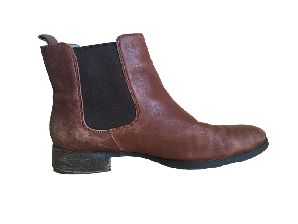 Chelsea Boots.png