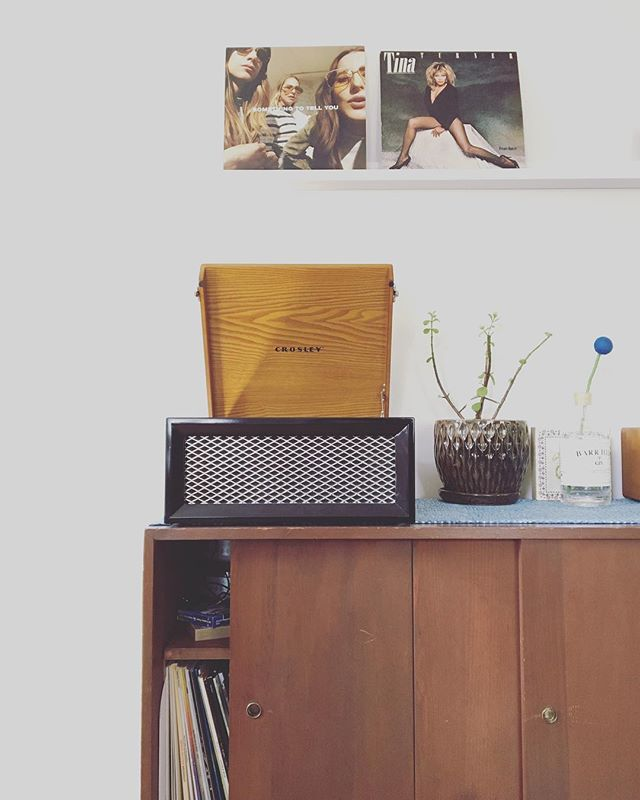 getting cooler by the minute living with @danster8 . . . #crosley #recordplayer #haim #tinaturner #remoteoffice