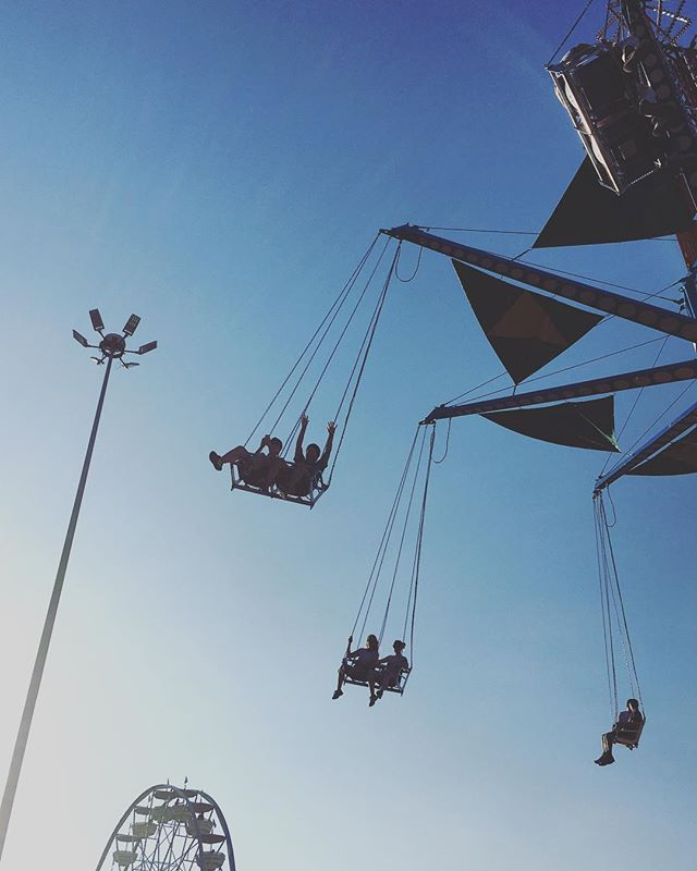 My second favorite ride . . . #bige #swings #bestdayever